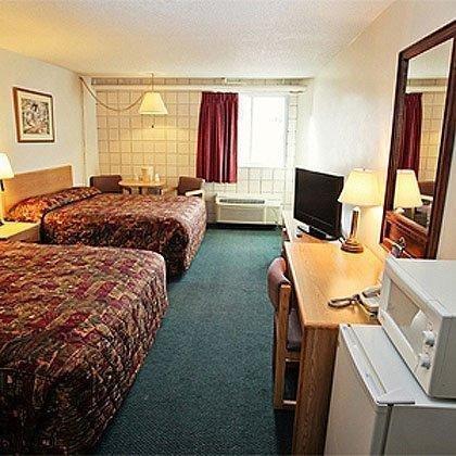 Photo of National 9 Inn Showboat