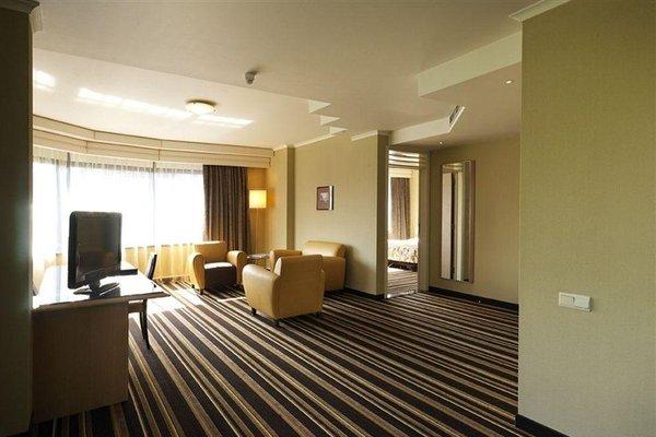 Hyllit Hotel - фото 1