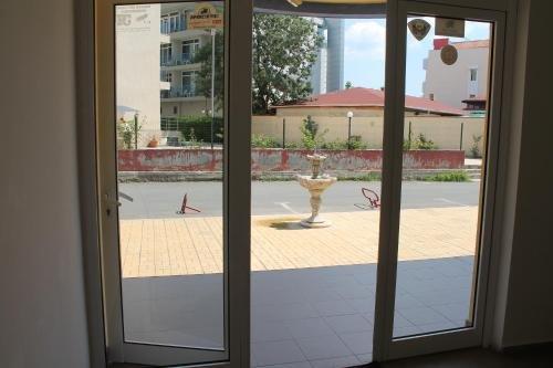 Aqua Blue Apartments - фото 10