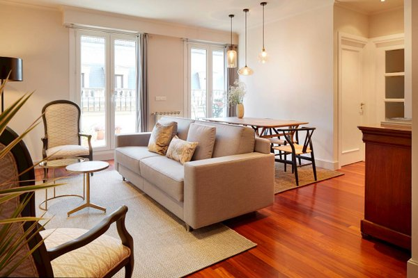 Garibay Terrace Apartment by FeelFree Rentals - фото 4