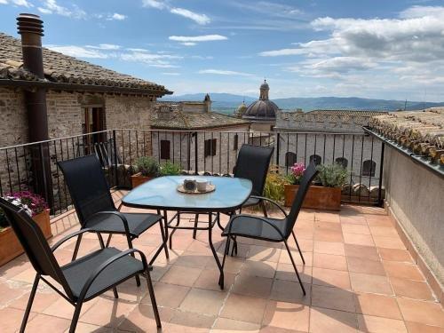 Assisi Piazza Apartments - фото 47