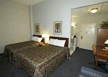 Photo of Raritan Hotel