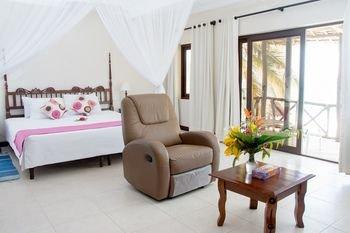 Jacaranda Indian Ocean Beach Resort - фото 2