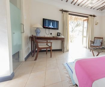 Jacaranda Indian Ocean Beach Resort - фото 4
