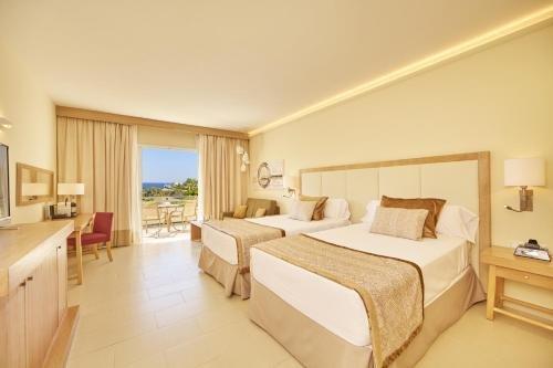 Blau Privilege PortoPetro Beach Resort & Spa. - фото 2