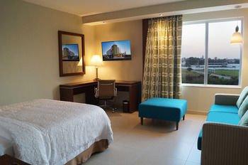 Hampton Inn by Hilton Villahermosa - фото 1