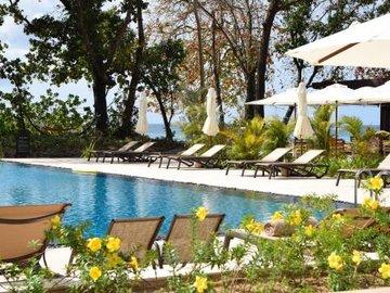 Курортный отель The H Resort Beau Vallon Beach
