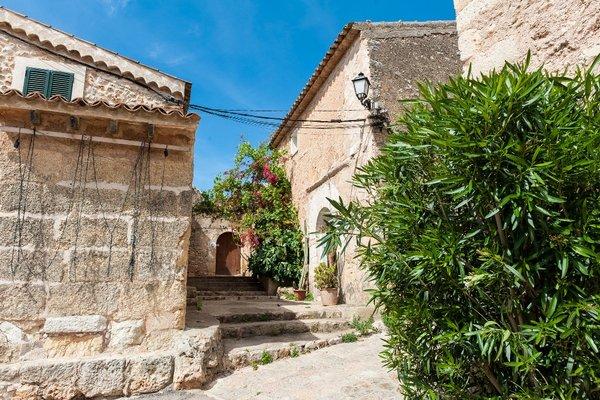 Montserrat - фото 19
