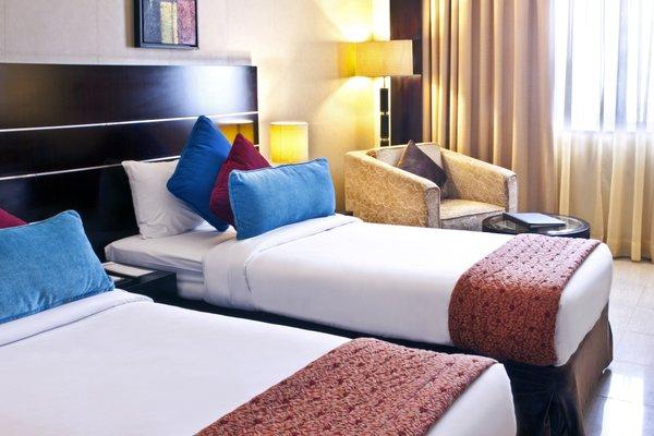 Landmark Riqqa Hotel - фото 1