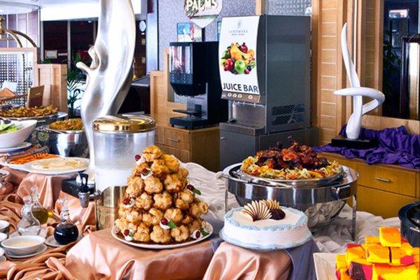 Landmark Riqqa Hotel - фото 6