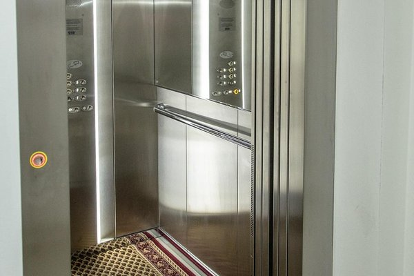 Madonna Apartments - фото 2