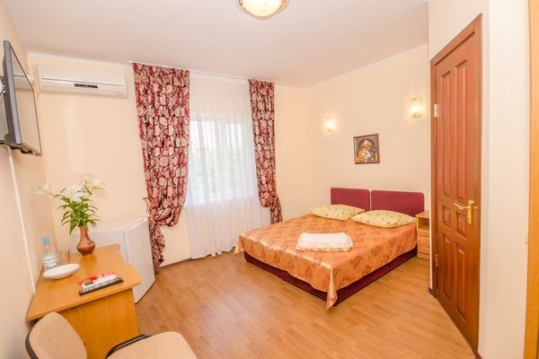Lubimaya Hotel - фото 4