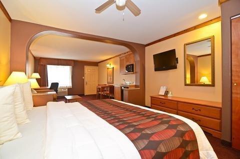 Photo of Best Western Windwood Inn and Suites