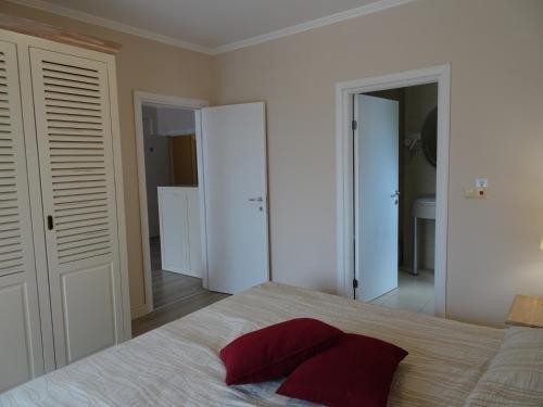 VIP Private Apartments Balchik - фото 7