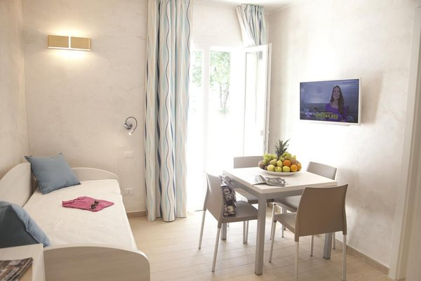Marina Beach Suite Hotel - фото 9