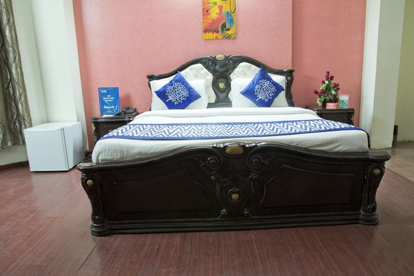 OYO Rooms Jasola Vihar 1, Ноида