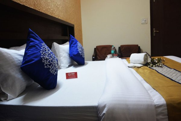 OYO Rooms Noida Sector 12 Metro Hospital - фото 1