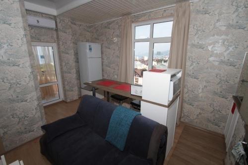Apartment on Orbitovskaya - фото 9