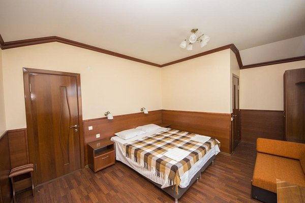 Semeiny Guest House - фото 41