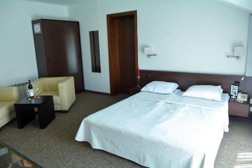 Отель Famyli Hotel Elitsa - фото 2
