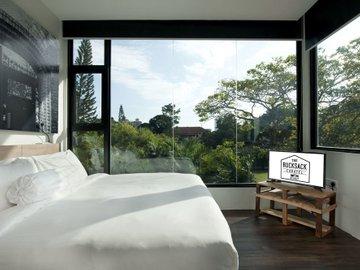 The Rucksack Caratel- Garden Wing