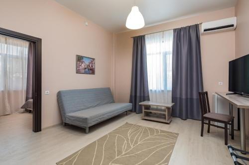 Abrikos Plus Guesthouse - фото 1