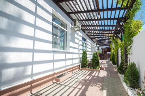 Abrikos Plus Guesthouse - фото 11