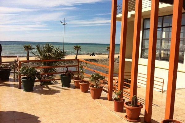 Apartment on the beach - фото 3