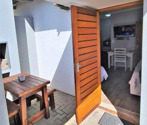 Tiende Laan Bed & Breakfast - фото 1