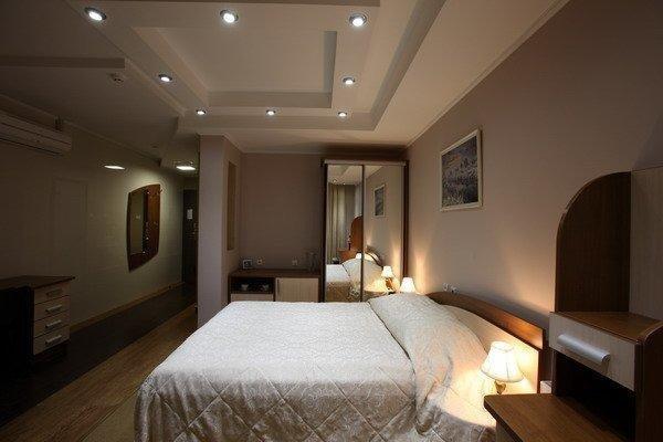 Prestige Hotel - фото 1