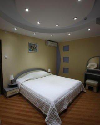 Prestige Hotel - фото 4