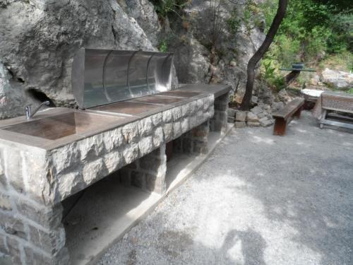 Pataki Guesthouse - фото 13
