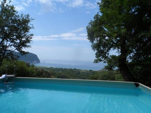 Pataki Guesthouse - фото 8