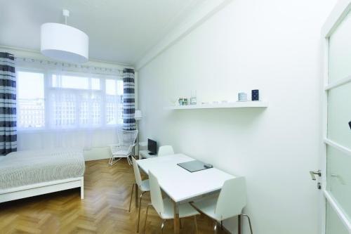 Casa Anna Apartment Opletalova - фото 8