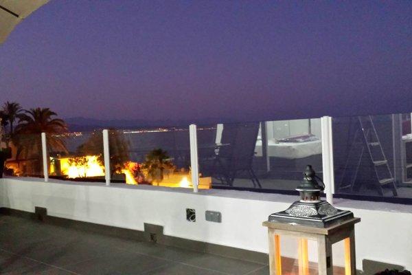 Beachfront Bungalow Apartment - фото 14