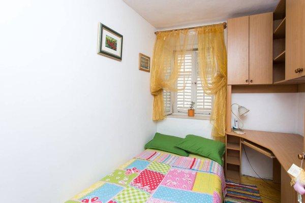 Quiet Corner Apartment - фото 6