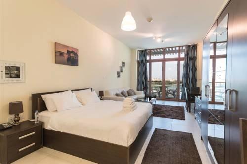 Yanjoon Holiday Homes - Palm Views Apartments - фото 1