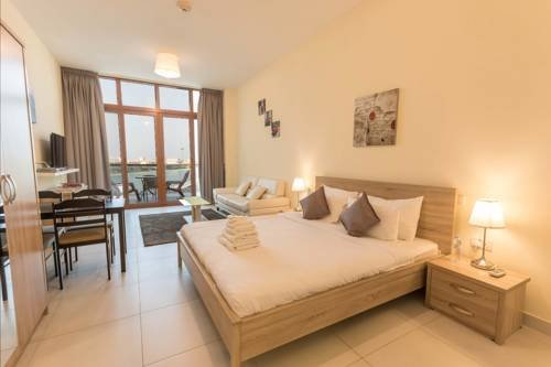 Yanjoon Holiday Homes - Palm Views Apartments - фото 2