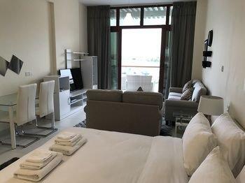 Yanjoon Holiday Homes - Palm Views Apartments - фото 7
