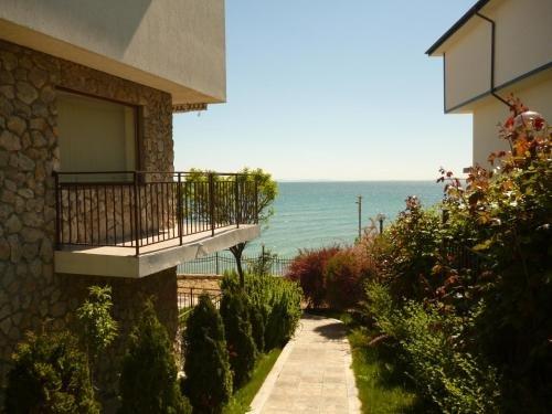 Messambria Fort Noks Beach Apartments - фото 5