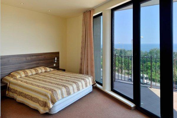 Ellinis Hotel - фото 1