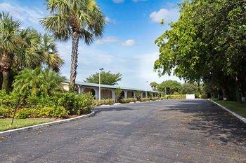 Photo of Tequesta Palms Inn