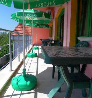 Villa Mari Guest Rooms - фото 17