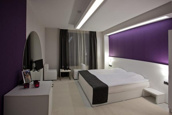 Hotel Idol - фото 1