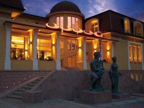 Family Hotel Harizma - фото 23