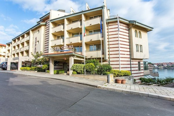 Hotel Coral Sozopol - фото 23