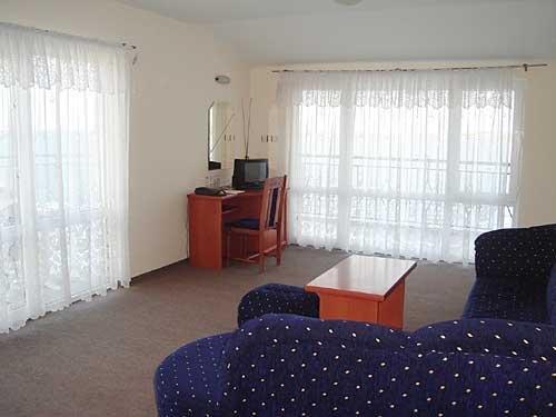 AMON RA HOTEL - фото 6