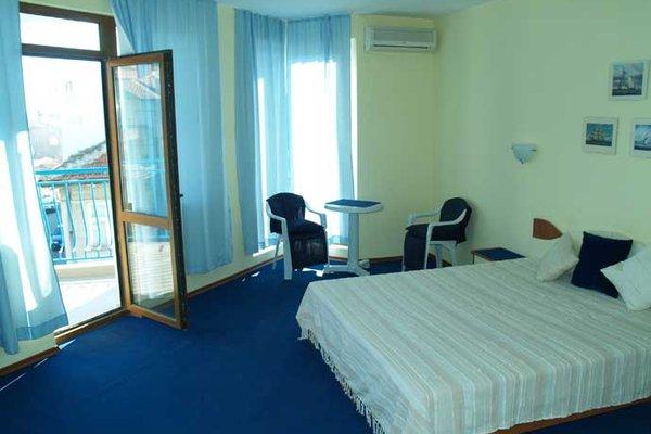 Aquamarine Hotel - фото 3