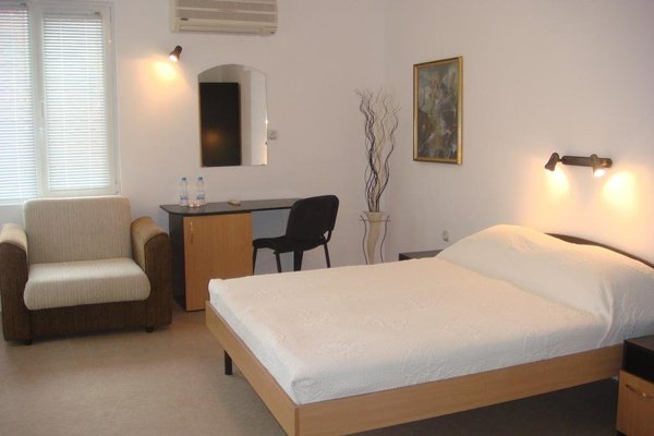 Kavaler Hotel - фото 1