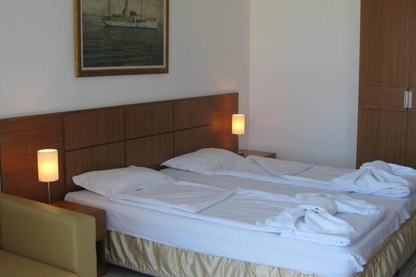 Family Hotel Mariana - фото 2